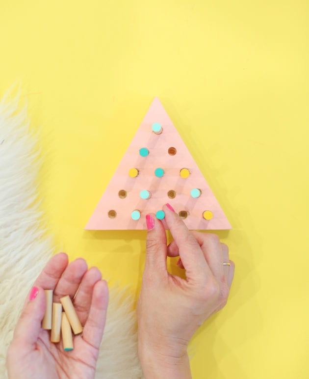 DIY Triangle Peg Jump Game thumbnail