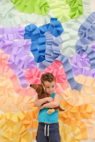 DIY Crepe Paper Wall Photo Backdrop
