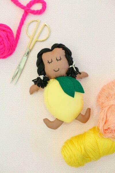How to make a lemon doll