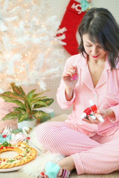 How to throw a holiday pajama party