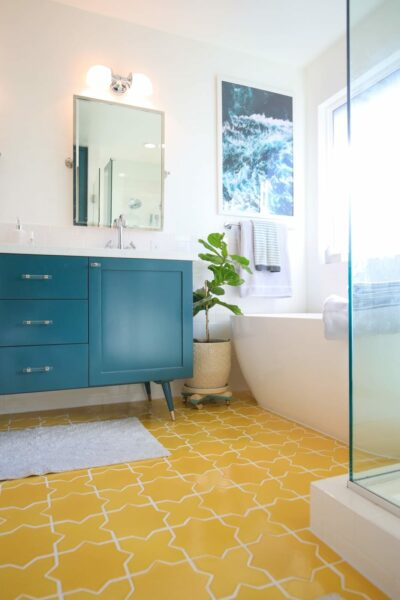 Modern, Bright Master Bathroom
