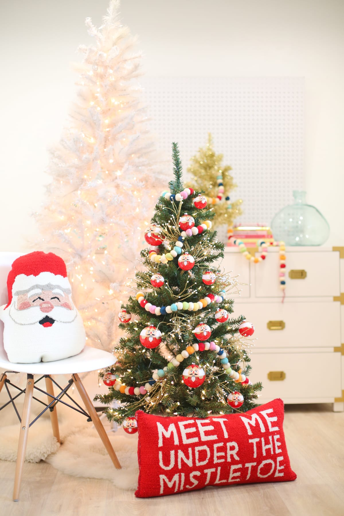 christmas decoration idea a mini tree in the kids room