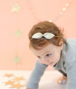 Five Ways to Make Bows for Little Girls (With Free Patterns!) thumbnail