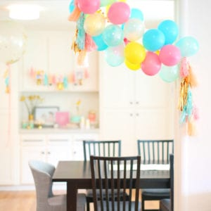 How to Make a Balloon Garland for a Birthday Party thumbnail