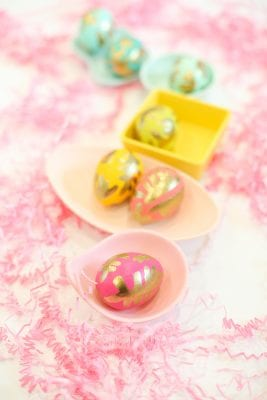 How to make modern gold painted Easter eggs