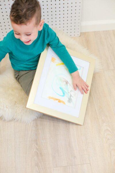 Encouraging kids to do art
