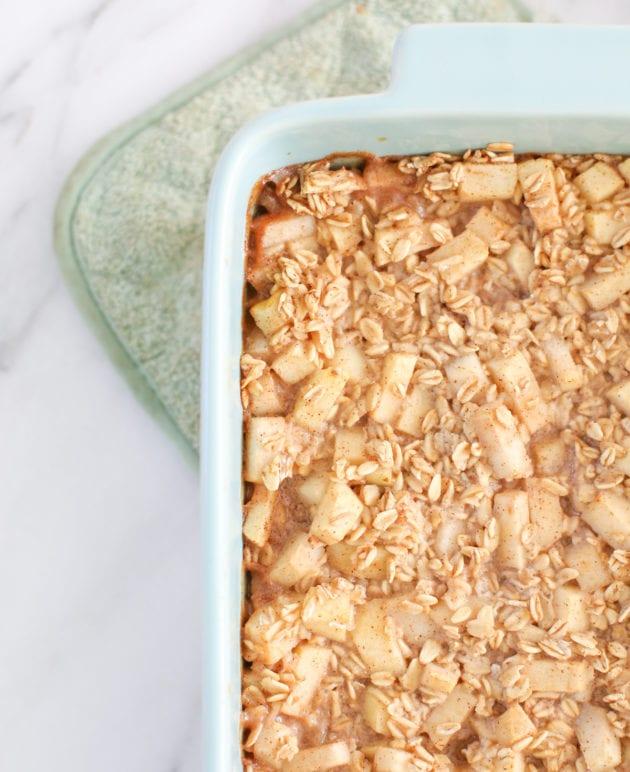 Apple Cinnamon Baked Oatmeal Recipe (That Kids Love!) thumbnail