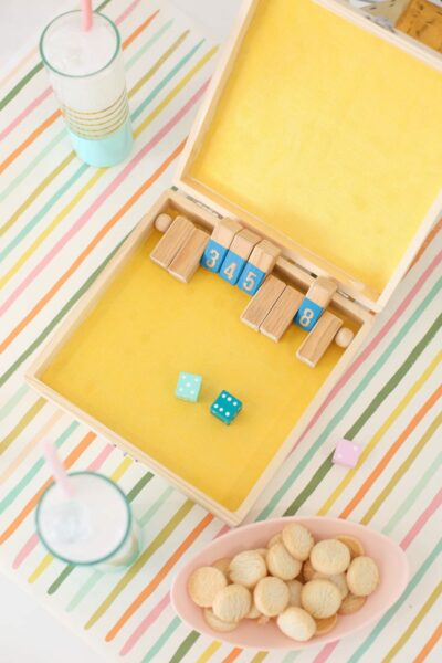 How to make a shut the box game