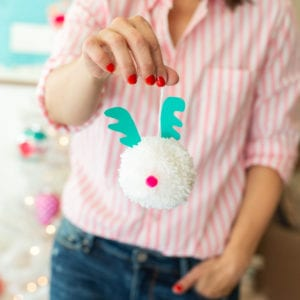 Pom Pom Christmas Ornaments // Family Holiday Tradition thumbnail