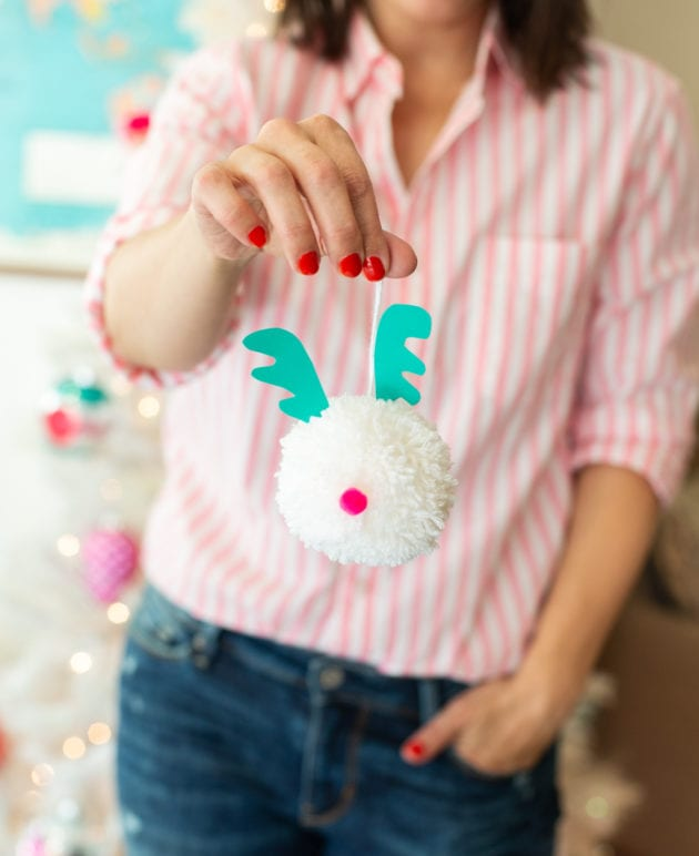 Pom Pom Christmas Ornaments // Family Holiday Tradition