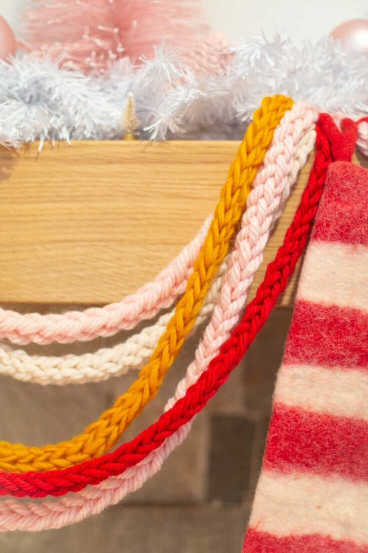 How to Finger Knit a Holiday Garland
