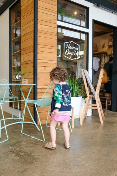 Little girl shopping in Kauai