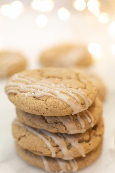 chai spice sugar cookies with vanilla bean drizzle