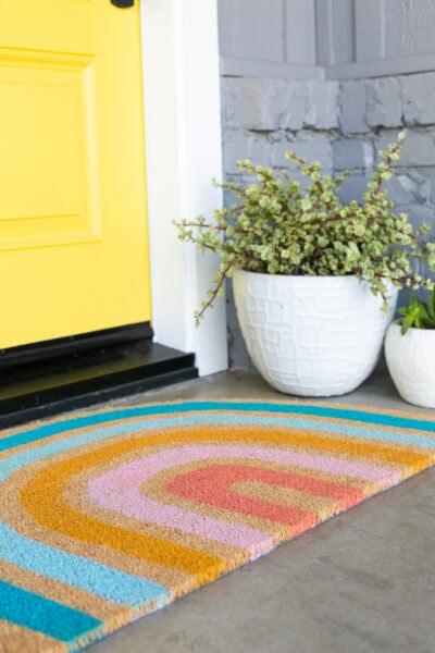 make a rainbow doormat