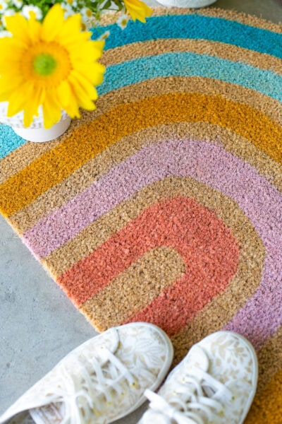 make a rainbow doormat