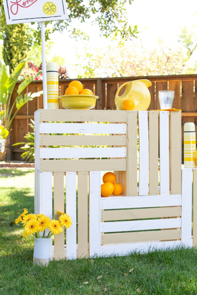 how to paint a lemonade stand
