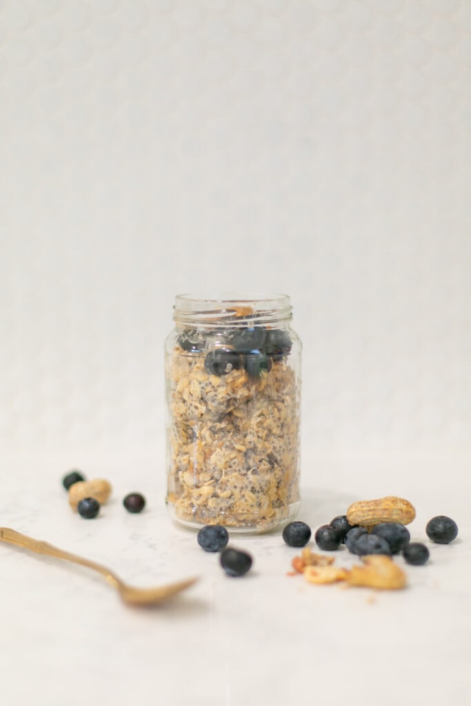 peanut butter jar overnight oats