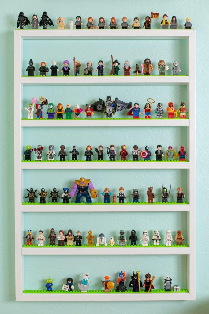 LEGO bemutató polcok
