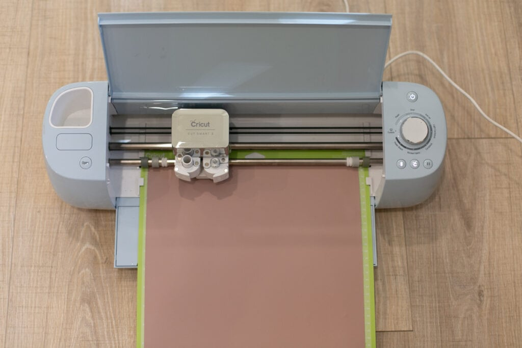 Cricut machine cutting vinyl