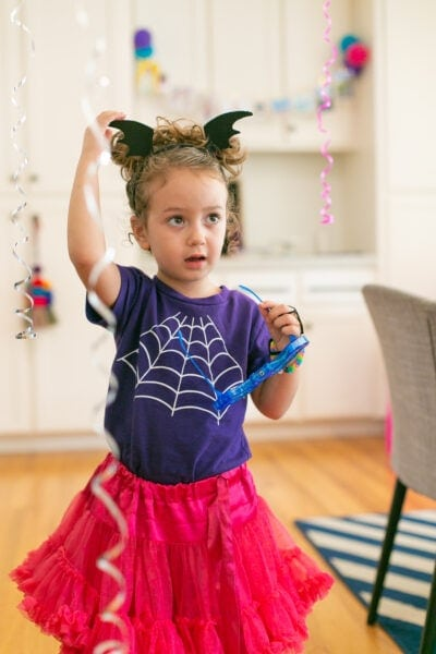 little girl at vampirina party