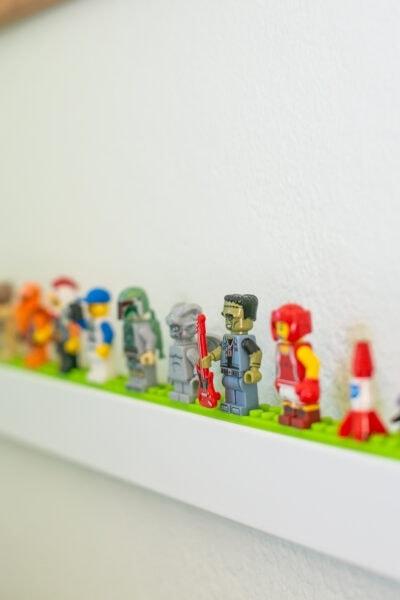 lego minifigure display idea