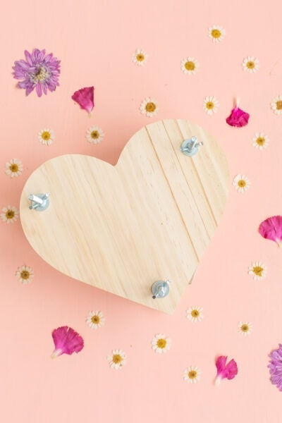 heart shaped diy flower press with dried flowers
