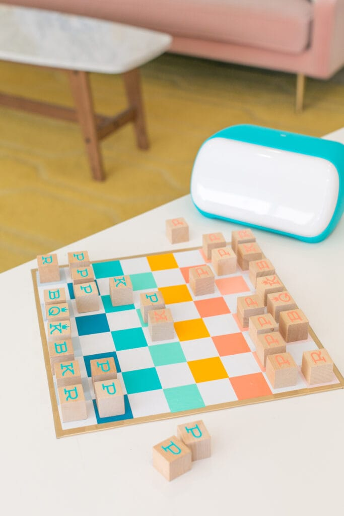 DIY chess board with cricut joy