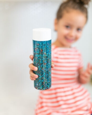 kids with calm down jars