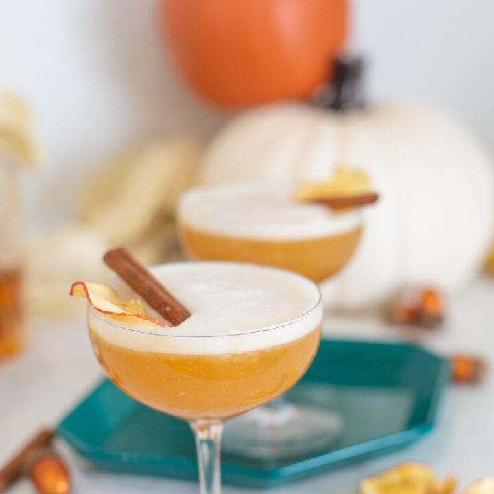 apple cider bourbon cocktail